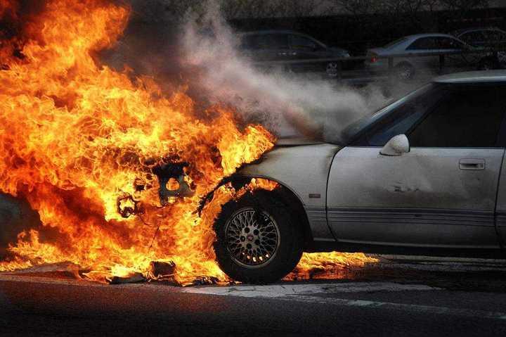 电动汽车,电动车着火